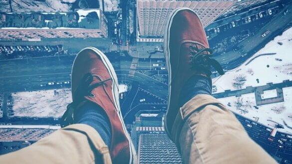 Hoogtevrees - is hoogtevrees een angststoornis,hoe ontstaat hoogtevrees,wat kan je doen tegen hoogtevress,acrofobie